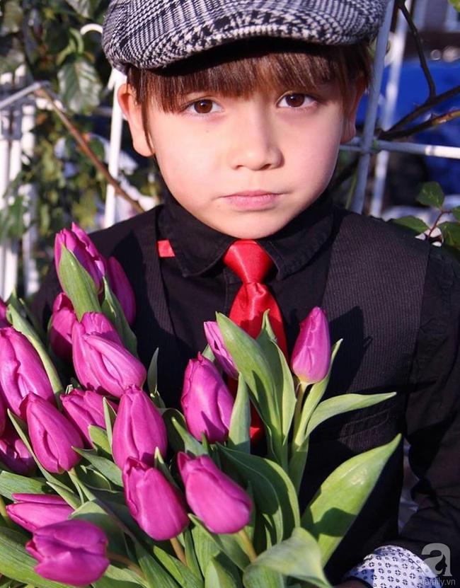 Vẻ đẹp cuốn hút của hoàng tử lai mang 2 dòng máu Việt – Hà Lan - Ảnh 10.