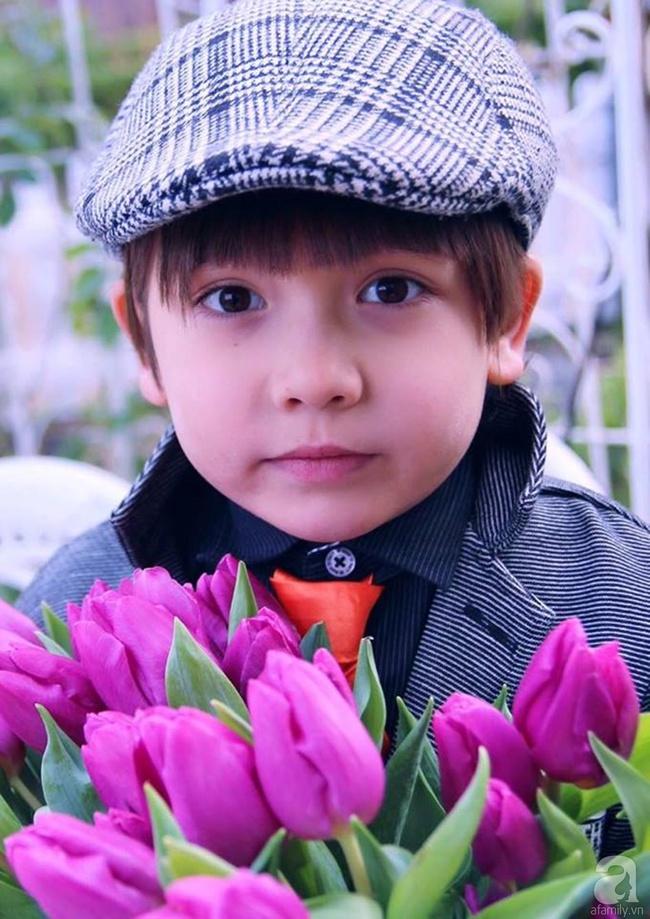 Vẻ đẹp cuốn hút của hoàng tử lai mang 2 dòng máu Việt – Hà Lan - Ảnh 13.