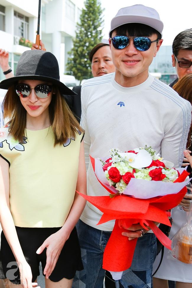 Người hâm mộ chịu đựng cái nóng như thiêu đốt để chào đón 3 ngôi sao TVB - Ảnh 5.