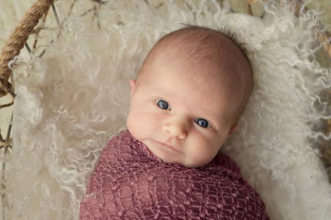 1 tuần sau khi chào đời, trẻ sơ sinh đã có thể nhìn, nghe và cảm nhận những điều này - Ảnh 1.
