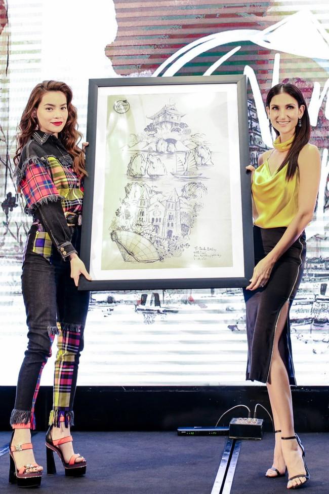 Hồ Ngọc Hà chất phát ngất khi đứng cạnh chị đại Next Top Model - Cindy Bishop - Ảnh 7.