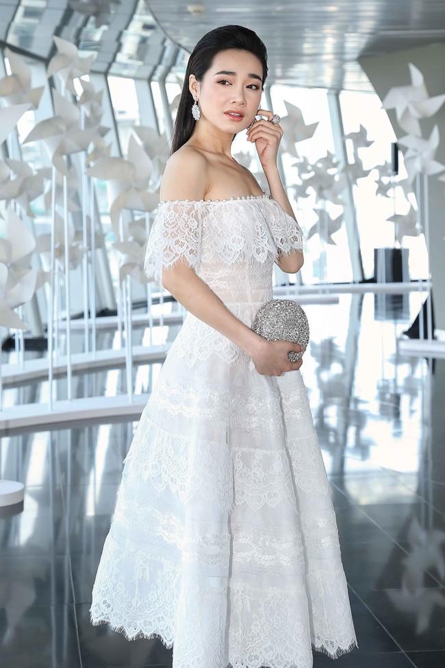 Nhã Phương mặc gì cũng xinh đẹp hút hồn nhưng sắc vóc của cô sẽ đạt đến độ hoàn hảo nhất khi diện mẫu váy này - Ảnh 3.