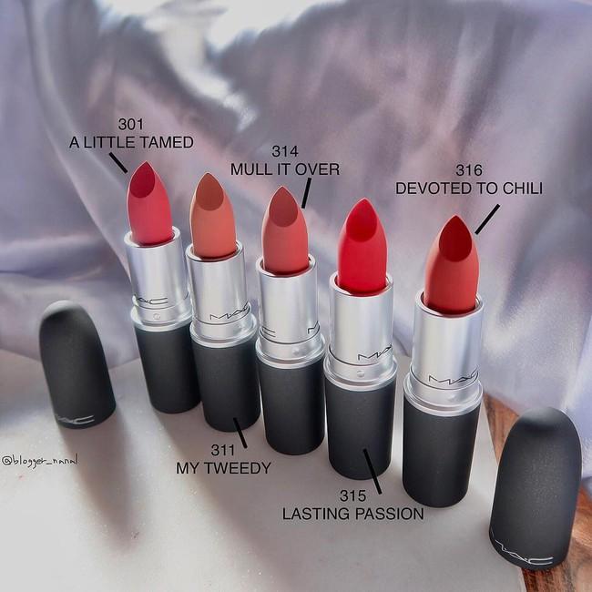 Review son lì MAC Powder Kiss hot hit mới toanh: cận cảnh chất son và những gam màu đẹp nhất, hợp con gái châu Á nhất - Ảnh 3.