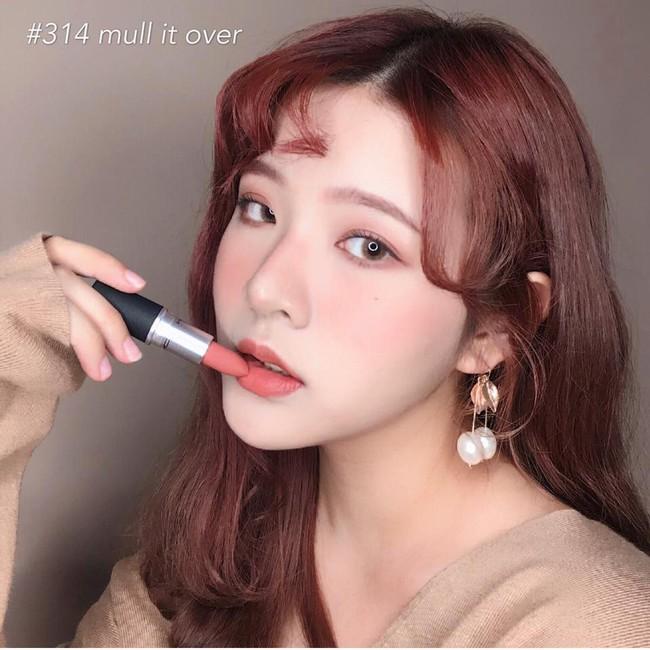 Review son lì MAC Powder Kiss hot hit mới toanh: cận cảnh chất son và những gam màu đẹp nhất, hợp con gái châu Á nhất - Ảnh 14.