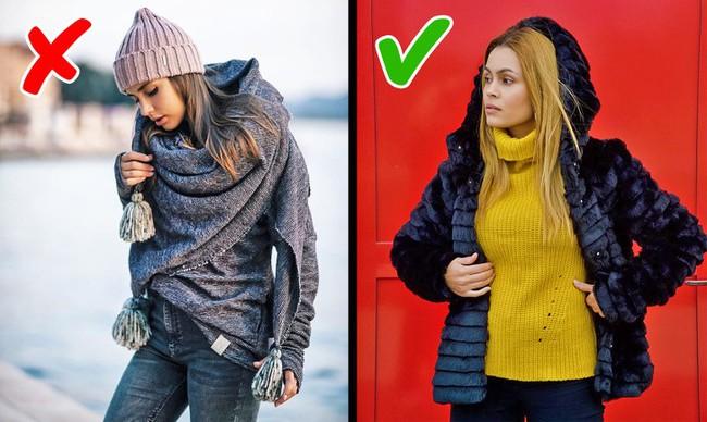 8 kiểu trang phục không chỉ lỗi thời mà còn phô hết các khuyết điểm của người mặc, chị em nên biết để tránh - Ảnh 1.