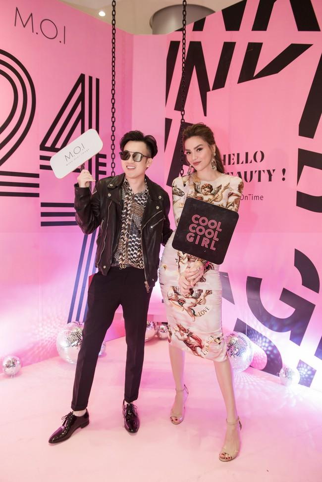 Kim Lý tháp tùng Hồ Ngọc Hà ra mắt thương hiệu làm đẹp tại Hà Nội - Ảnh 5.
