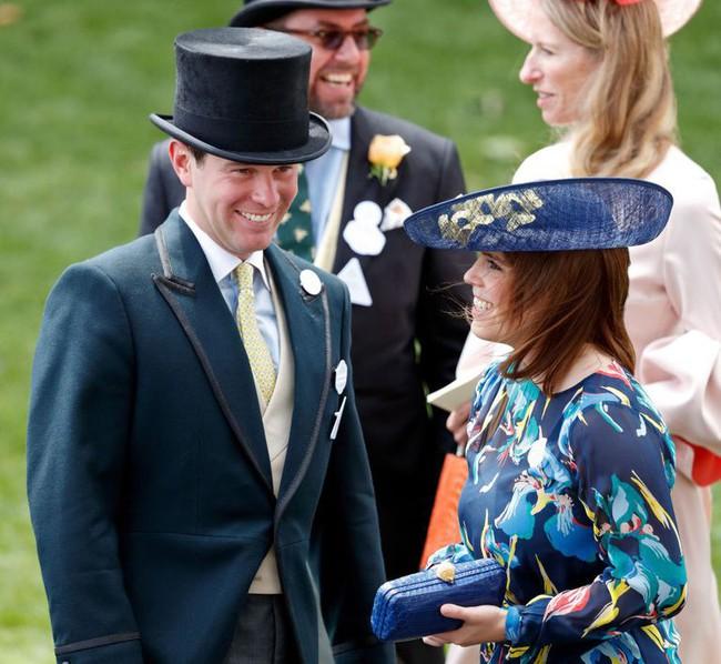 Điều ít biết về người đàn ông dũng cảm, kết hôn với nàng công chúa bị ghét nhất hoàng gia Anh trong lễ cưới đầy thị phi sắp tới - Ảnh 3.
