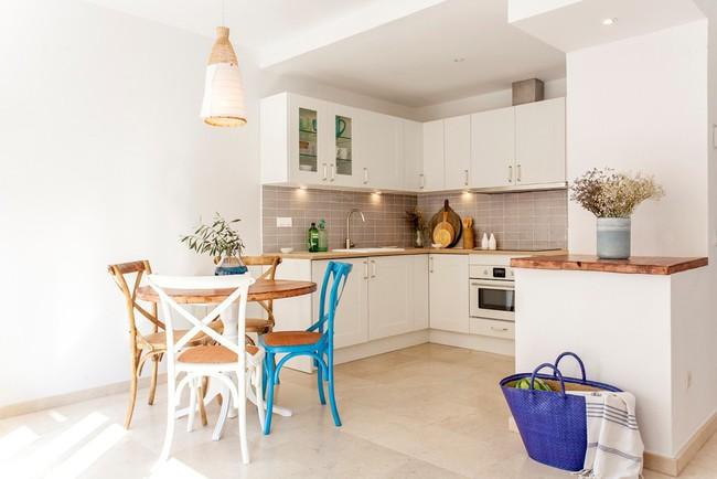Căn hộ 60m² sở hữu nội thất được đo ni đóng giày siêu đáng yêu  - Ảnh 1.