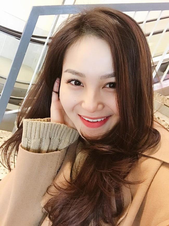 Nữ tiếp viên Hàng không xinh đẹp, sở hữu nhan sắc được so sánh với Hương Tràm - Ảnh 2.