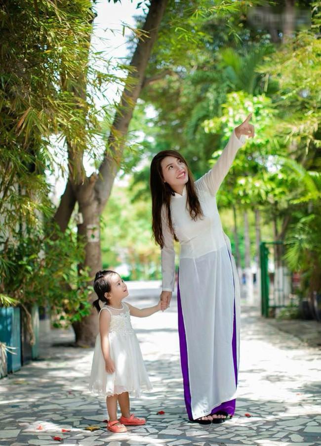 Sau gần 2 năm dao kéo,  mẹ đơn thân Phượng Thị Nở bất ngờ bày tỏ mong ước muốn mặc áo cưới lần nữa - Ảnh 6.