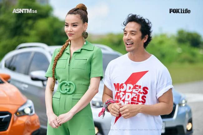 Hồ Ngọc Hà diện set đồ 130 triệu, chiếm sóng màn thử thách các thí sinh tại Asias Next Top Model  - Ảnh 1.