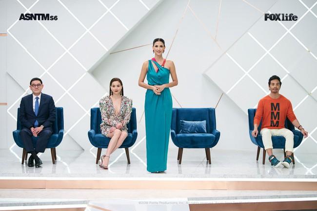 Hà Hồ cực nóng bỏng và thời trang tại Asia's Next Top Model, được khen hết lời khi nhiệt tình thị phạm thí sinh - Ảnh 13.