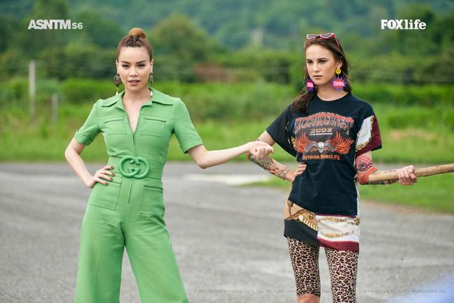 Hà Hồ cực nóng bỏng và thời trang tại Asia's Next Top Model, được khen hết lời khi nhiệt tình thị phạm thí sinh - Ảnh 5.