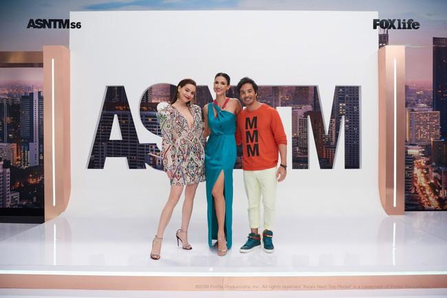 Hà Hồ cực nóng bỏng và thời trang tại Asia's Next Top Model, được khen hết lời khi nhiệt tình thị phạm thí sinh - Ảnh 14.