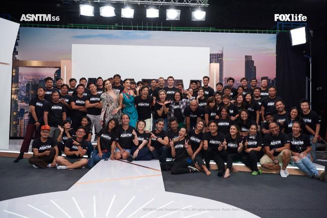 Hà Hồ cực nóng bỏng và thời trang tại Asia's Next Top Model, được khen hết lời khi nhiệt tình thị phạm thí sinh - Ảnh 9.