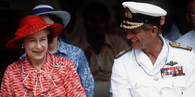 Khoảnh khắc ngọt ngào của 4 cặp đôi nổi tiếng nhất hoàng gia Anh: Hiếm khi thể hiện nhưng vẫn làm công chúng ghen tị - Ảnh 3.