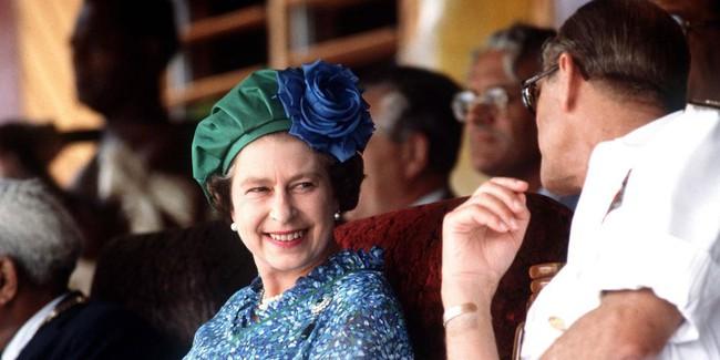 Khoảnh khắc ngọt ngào của 4 cặp đôi nổi tiếng nhất hoàng gia Anh: Hiếm khi thể hiện nhưng vẫn làm công chúng ghen tị - Ảnh 4.