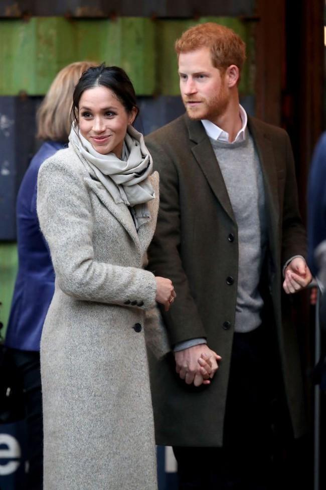 Khoảnh khắc ngọt ngào của 4 cặp đôi nổi tiếng nhất hoàng gia Anh: Hiếm khi thể hiện nhưng vẫn làm công chúng ghen tị - Ảnh 23.