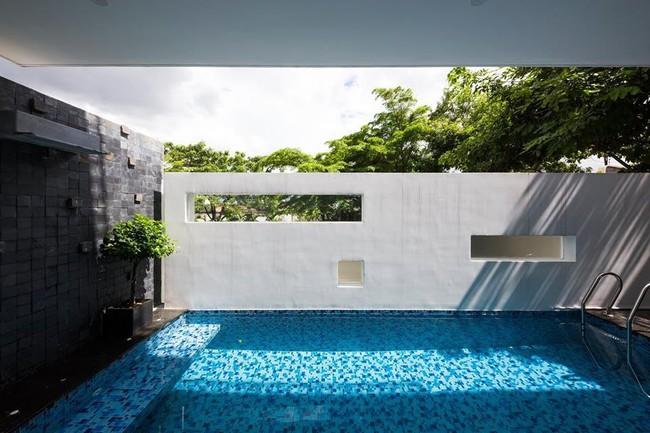 Ngôi nhà có tầm nhìn thẳng ra sông Sài Gòn với thiết kế mộc mạc nhưng sự tiện nghi thì không chê vào đâu được - Ảnh 6.