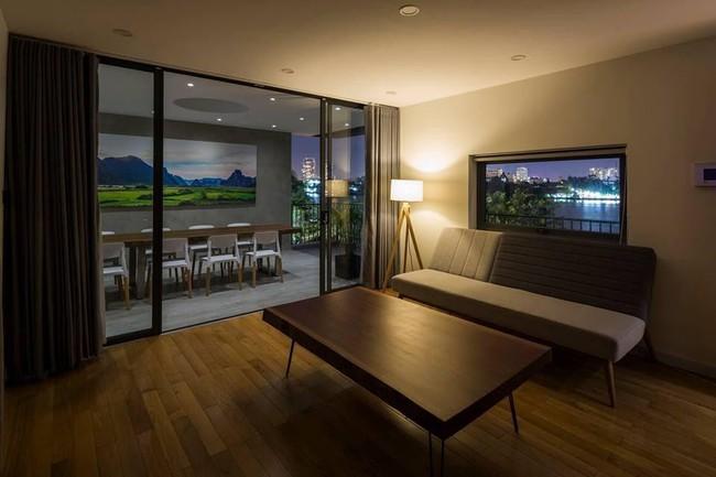 Ngôi nhà có tầm nhìn thẳng ra sông Sài Gòn với thiết kế mộc mạc nhưng sự tiện nghi thì không chê vào đâu được - Ảnh 11.
