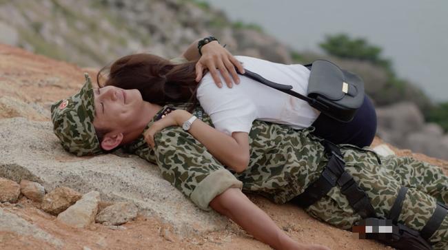 Phát hiện điểm vô lý trong cảnh Khả Ngân lao xe xuống vực của Hậu duệ mặt trời bản Việt - Ảnh 10.