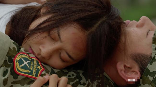 Phát hiện điểm vô lý trong cảnh Khả Ngân lao xe xuống vực của Hậu duệ mặt trời bản Việt - Ảnh 14.
