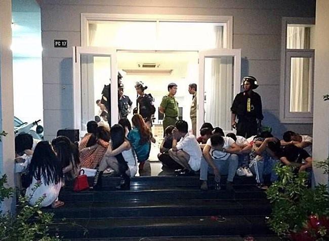 Bắt quả tang bà bầu cùng gần 30 nam thanh nữ tú sử dụng ma túy tập thể trong căn biệt thự ven biển - Ảnh 2.