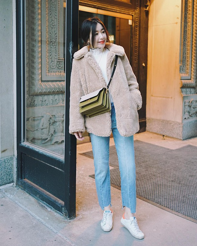 """""""Ngôi sao"""" của mùa đông chính là quần jeans và 15 set đồ sau sẽ giúp các nàng biến hóa tài tình với item này - Ảnh 9."""