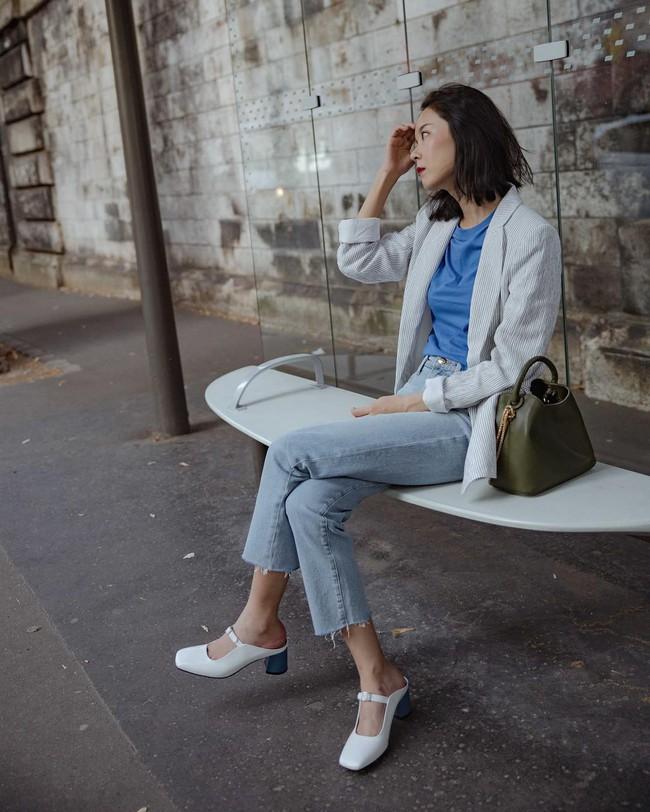 """""""Ngôi sao"""" của mùa đông chính là quần jeans và 15 set đồ sau sẽ giúp các nàng biến hóa tài tình với item này - Ảnh 11."""