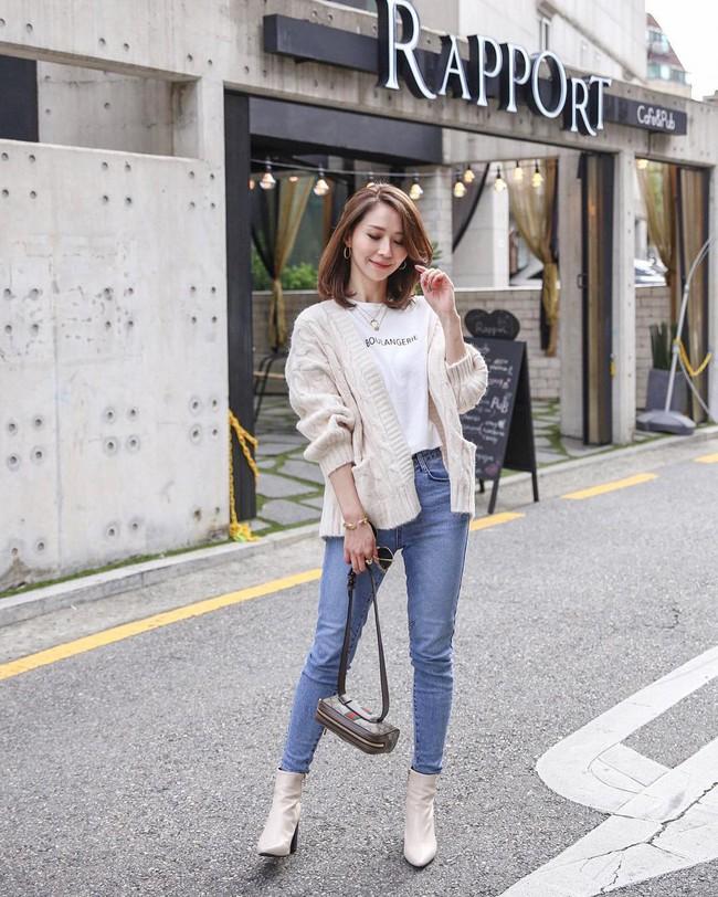 """""""Ngôi sao"""" của mùa đông chính là quần jeans và 15 set đồ sau sẽ giúp các nàng biến hóa tài tình với item này - Ảnh 10."""