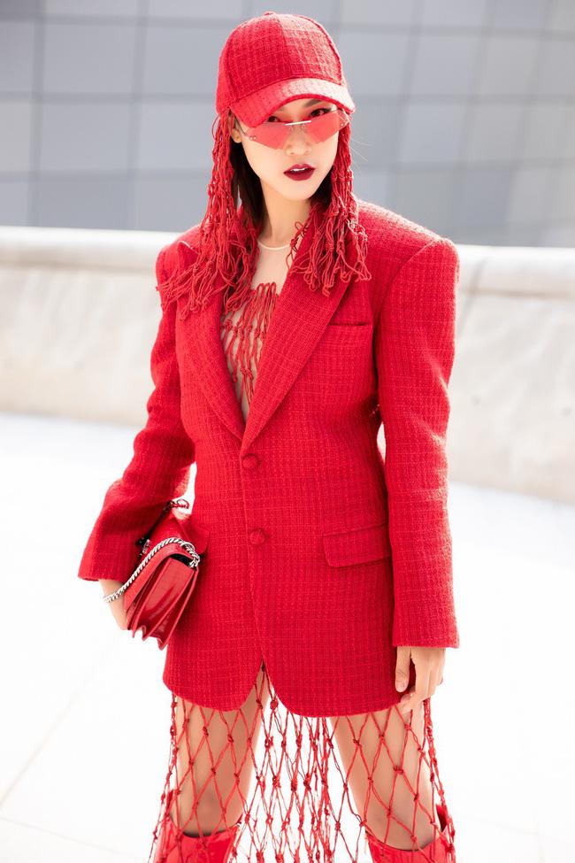 Xuất hiện hai siêu nhân từ Vbiz đến Seoul Fashion Week: Một người là Gil Lê, người còn lại đố bạn biết? - Ảnh 5.