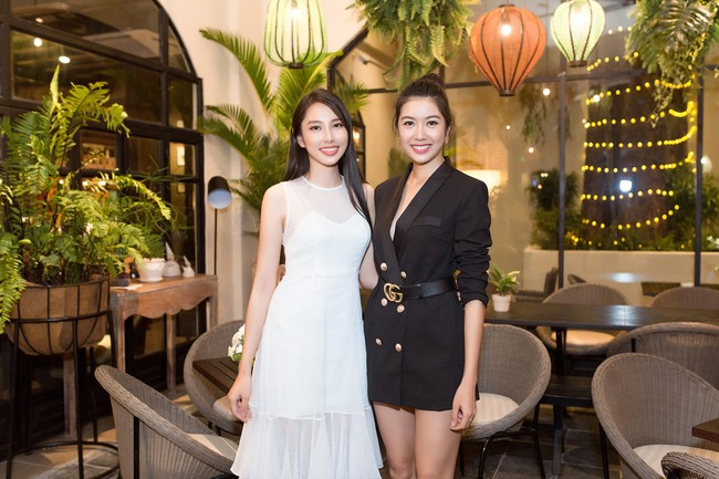 Cuộc gặp hiếm có của các đại diện Việt thi Hoa hậu Quốc tế: Nguyễn Thúc Thùy Tiên đẹp dịu dàng bên đàn chị - Ảnh 4.