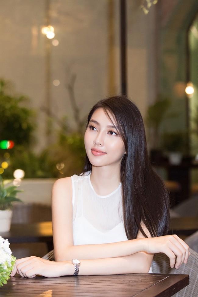 Cuộc gặp hiếm có của các đại diện Việt thi Hoa hậu Quốc tế: Nguyễn Thúc Thùy Tiên đẹp dịu dàng bên đàn chị - Ảnh 7.