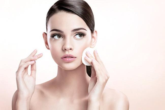 13 lời khuyên vàng giúp da bạn thay đổi hoàn toàn chỉ sau một tháng ngắn ngủi - Ảnh 1.