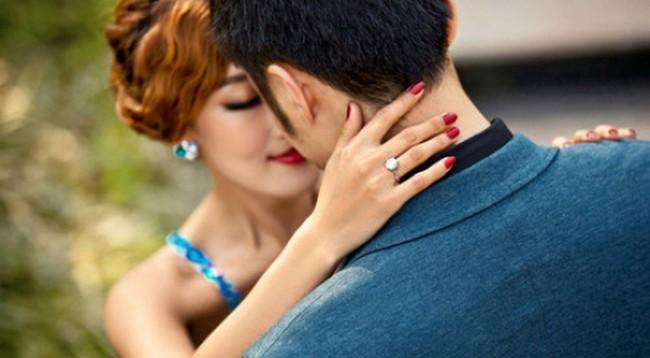 Hí hửng đi mua của hồi môn trước đám cưới, cô gái trở thành cái gai trong mắt cả nhà chồng sau một nốt nhạc - Ảnh 1.