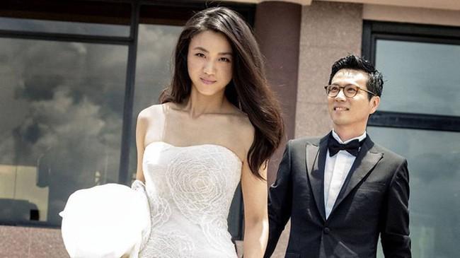 7 cặp sao âm thầm hẹn hò rồi bất ngờ đám cưới, cặp thứ 3 khiến cả Châu Á ngỡ ngàng - Ảnh 6.