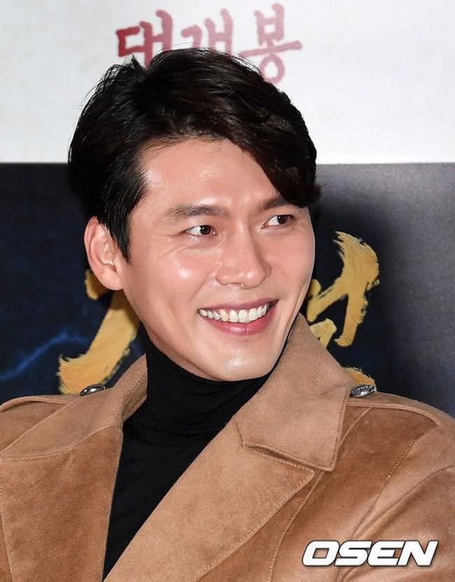 Cùng đẹp trai phong độ, Hyun Bin và Jang Dong Gun hôm qua còn có chung cả làn da bóng nhẫy như vừa skincare 10 bước - Ảnh 4.