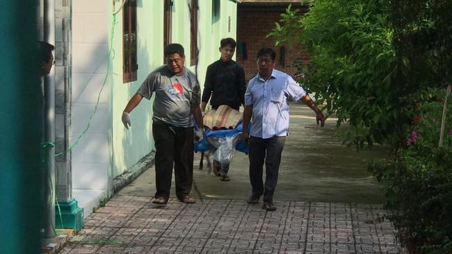 TP.HCM: Vào nhà nghỉ với gái đã có chồng thì bị phát hiện, người đàn ông bị đâm chết tại chỗ - Ảnh 2.