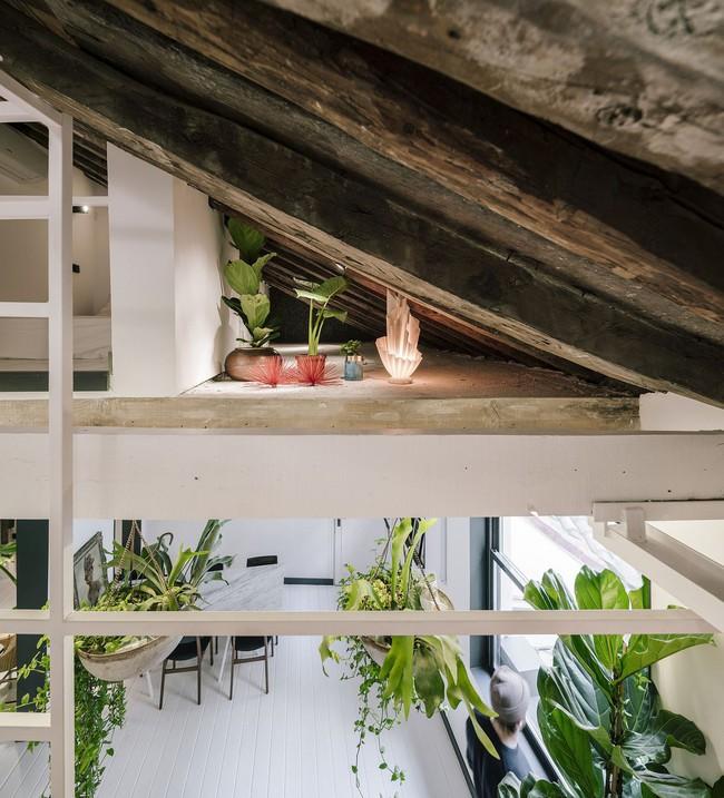 Cải tạo cầu thang đúng cách, ngôi nhà nhỏ bỗng trở thành ước ao của bất cứ ai đang ở nhà chật - Ảnh 2.