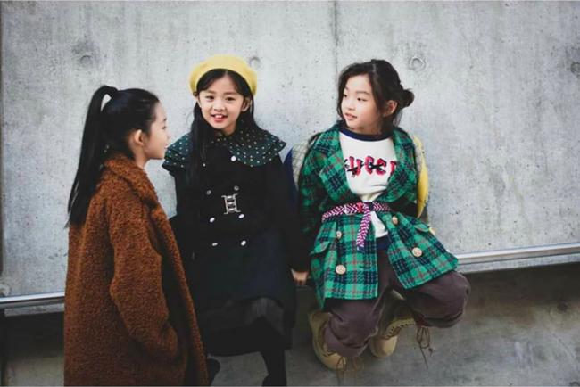 Cứ đến Seoul Fashion Week, dân tình chỉ ngóng trông street style vừa chất vừa yêu của những fashionista nhí này - Ảnh 10.