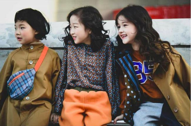 Cứ đến Seoul Fashion Week, dân tình chỉ ngóng trông street style vừa chất vừa yêu của những fashionista nhí này - Ảnh 13.