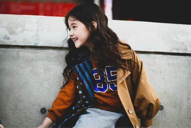 Cứ đến Seoul Fashion Week, dân tình chỉ ngóng trông street style vừa chất vừa yêu của những fashionista nhí này - Ảnh 14.