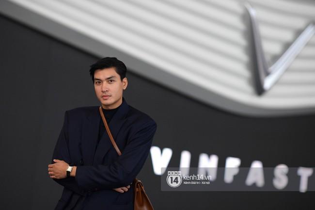 Cặp bạn thân Hoàng Thùy, Quang Đại phong thái chuyên nghiệp trong buổi tập luyện trước giờ G Paris Motor Show - Ảnh 15.
