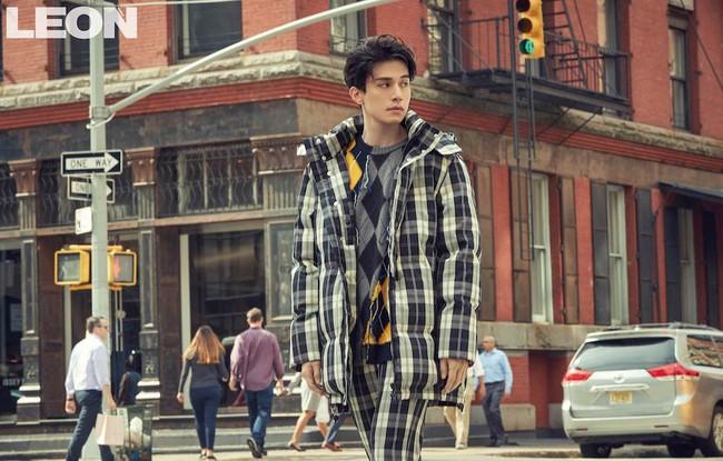 Lee Dong Wook lại khiến fan rụng tim với loạt ảnh đẹp trai hút hồn - Ảnh 2.