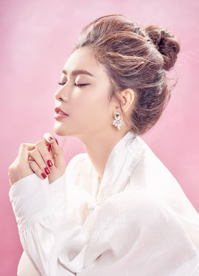 Trương Quỳnh Anh ngày càng xinh đẹp và trưởng thành hơn từ sau hôn nhân trục trặc - Ảnh 4.