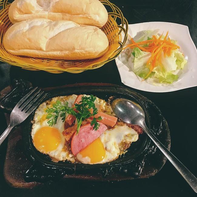 Báo Tây điểm danh 9 món ăn sáng ngon nổi tiếng của Việt Nam  - Ảnh 7.