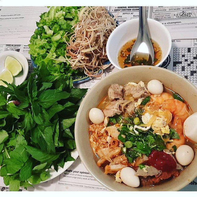Báo Tây điểm danh 9 món ăn sáng ngon nổi tiếng của Việt Nam  - Ảnh 6.