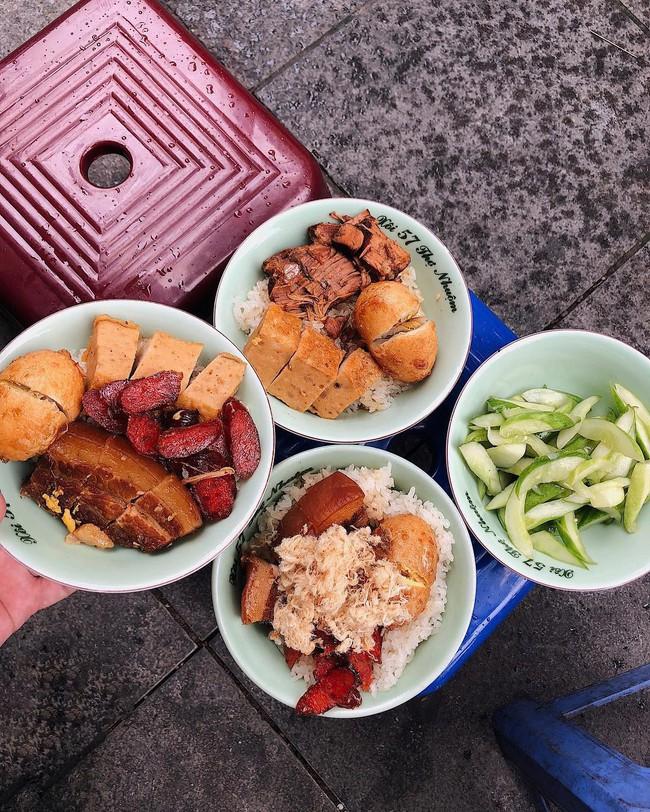 Báo Tây điểm danh 9 món ăn sáng ngon nổi tiếng của Việt Nam  - Ảnh 2.