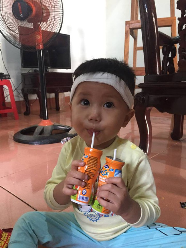Tiếng khóc xé lòng của đứa trẻ 8 tháng tuổi, bú vú bà ngoại sau ngày người mẹ tử vong vì tai nạn giao thông - Ảnh 5.