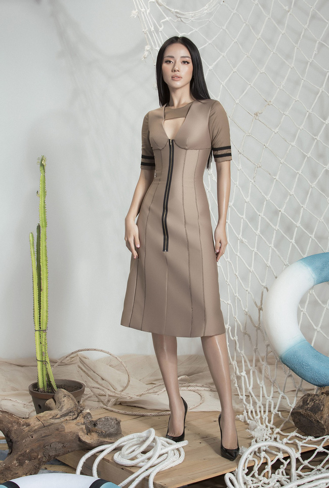 Khánh Linh The Face lại khoe váy áo sang chảnh sau khi được lên tạp chí nước ngoài vì mặc đẹp - Ảnh 1.